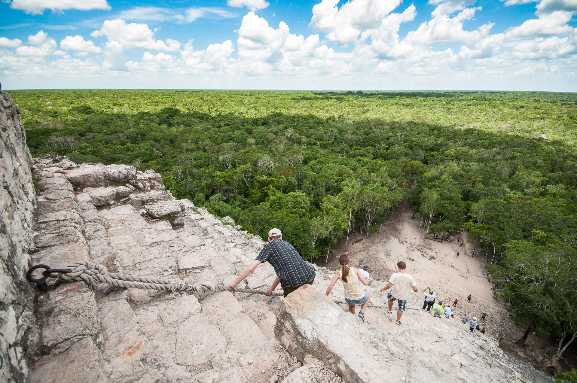 tulum descente pyramide coban - Les globe blogueurs - blog voyage nature