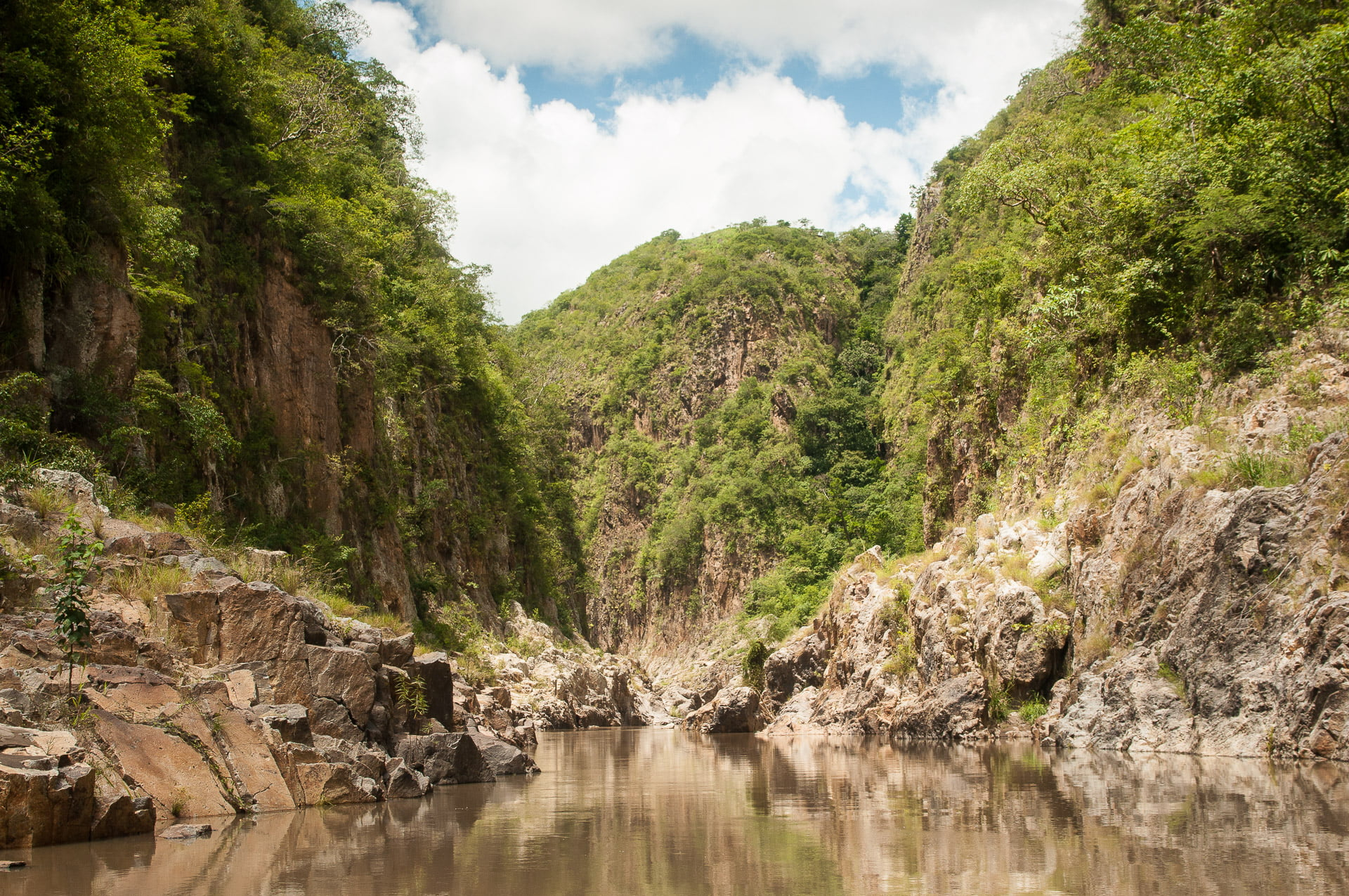 Canyon de Somoto, depuis la lancha au nicaragua