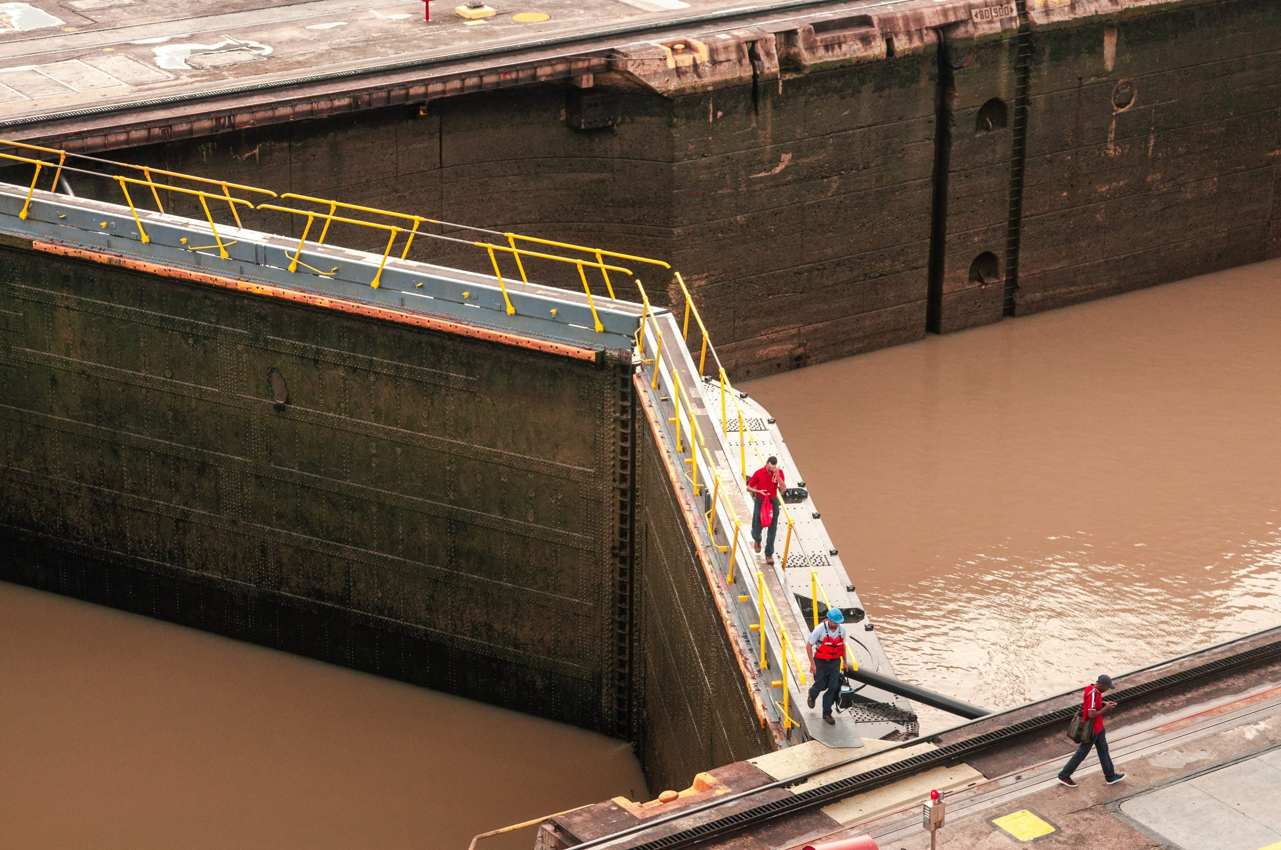 Panama city canal scaled - Les globe blogueurs - blog voyage nature