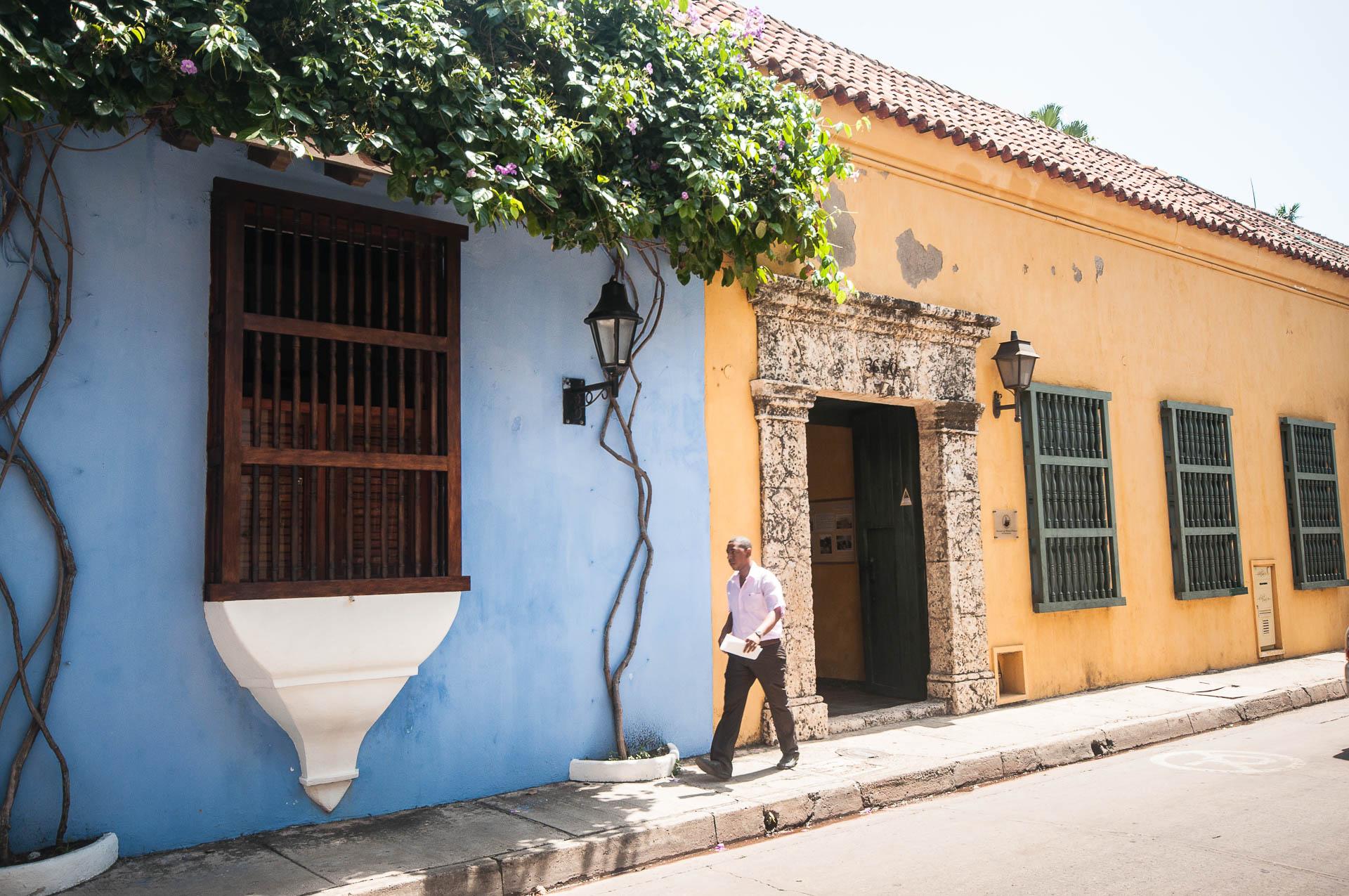 carthagène façades - Les globe blogueurs - blog voyage nature