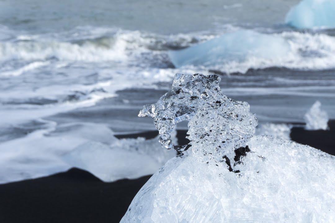lac Jökulsárlón lagune du glacier en Islande plage de sable noir