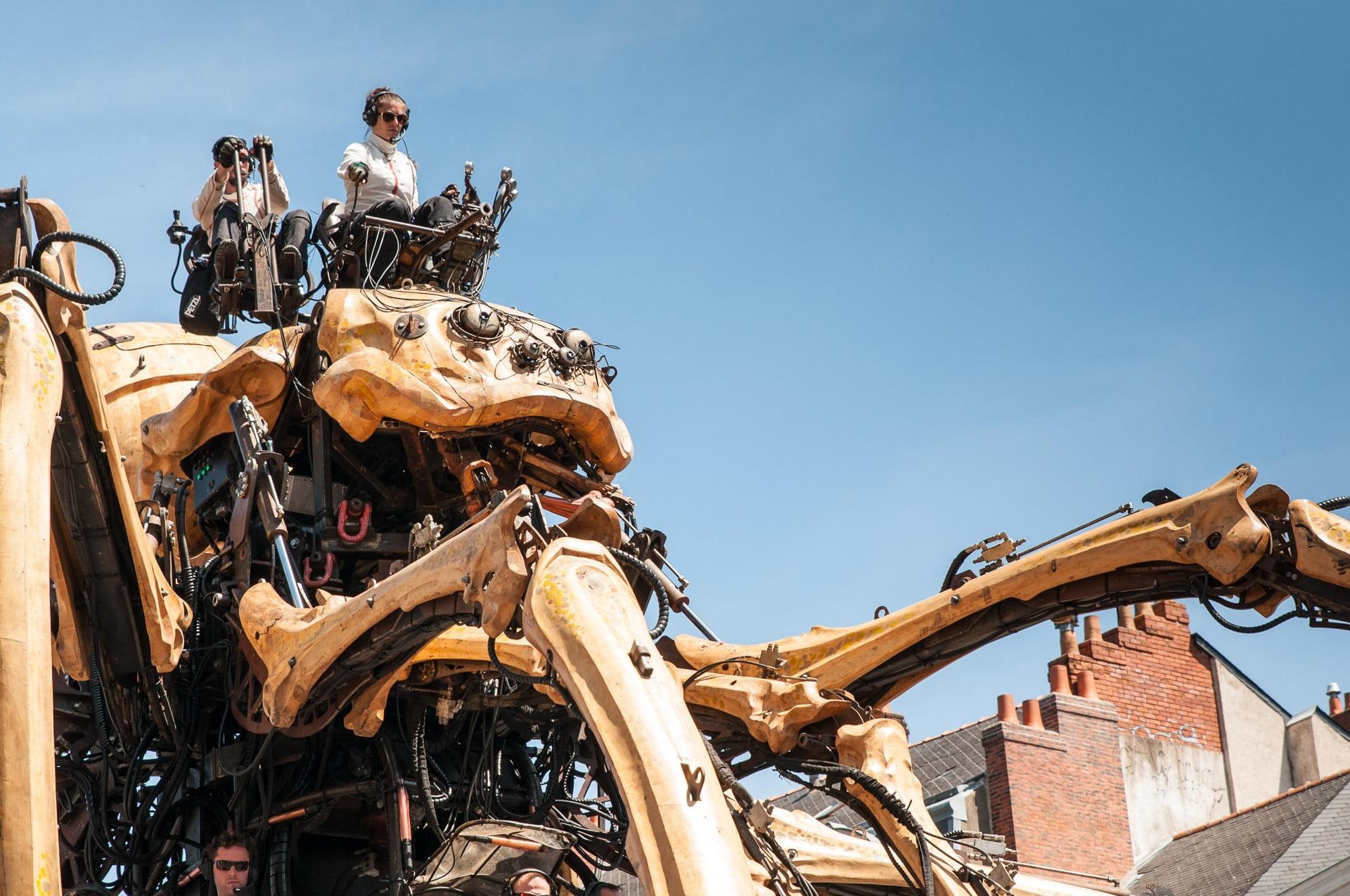Kumo - la nouvelle création de la compagnie la Machine - Une araignée géante qui se balade à Nantes cet été 2016