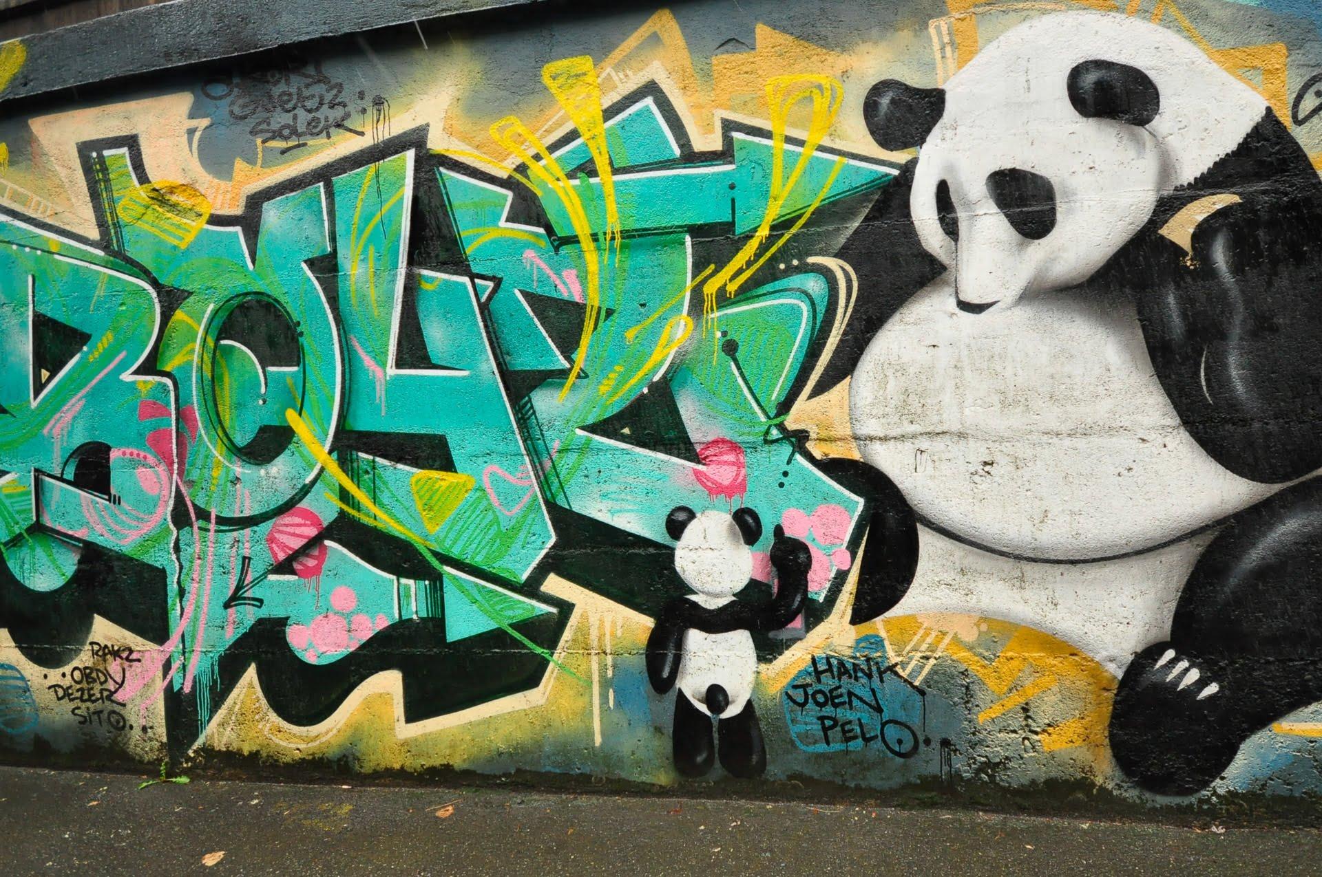street art panda bis - Les globe blogueurs - blog voyage nature