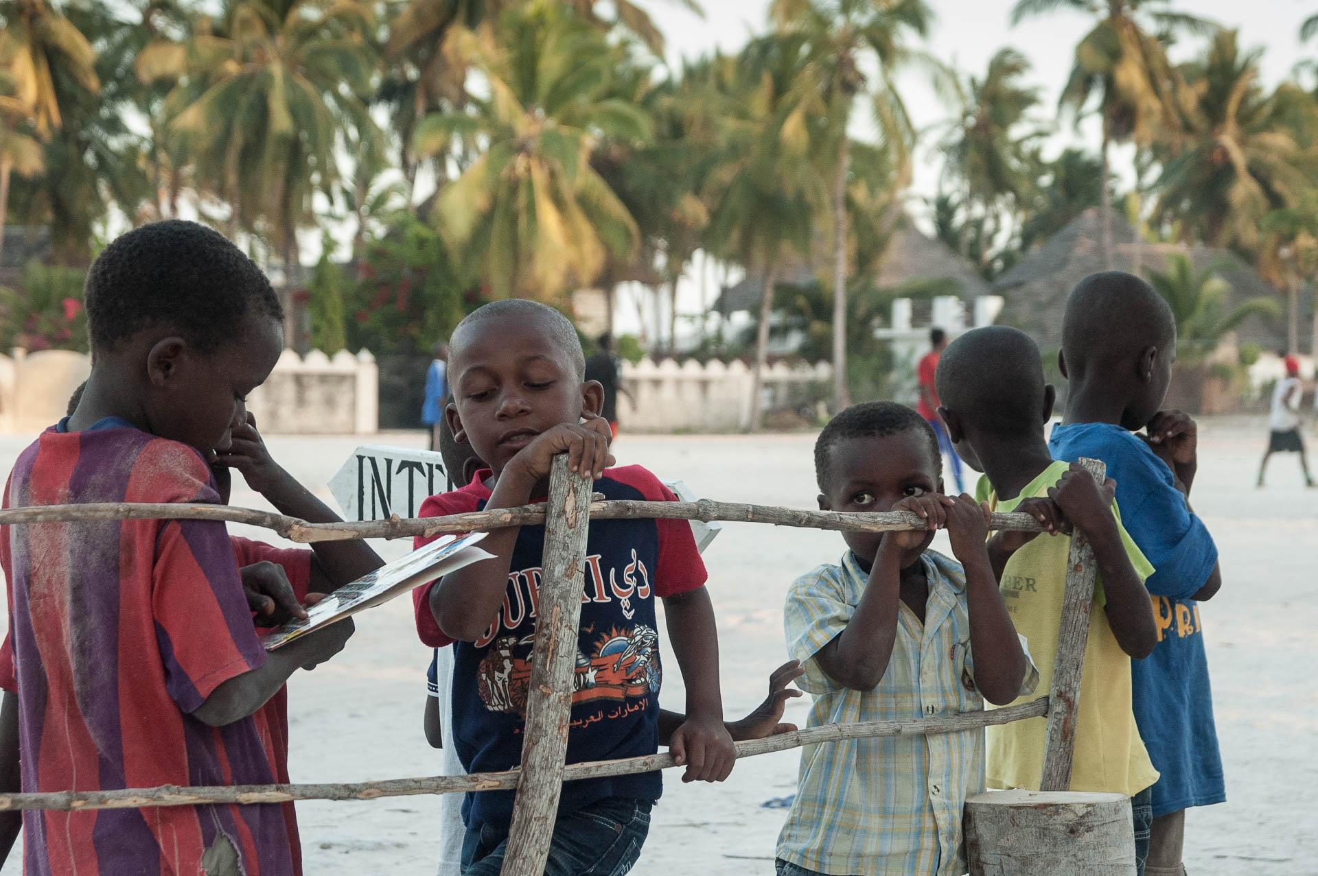 mendicité enfants - Les globe blogueurs - blog voyage nature