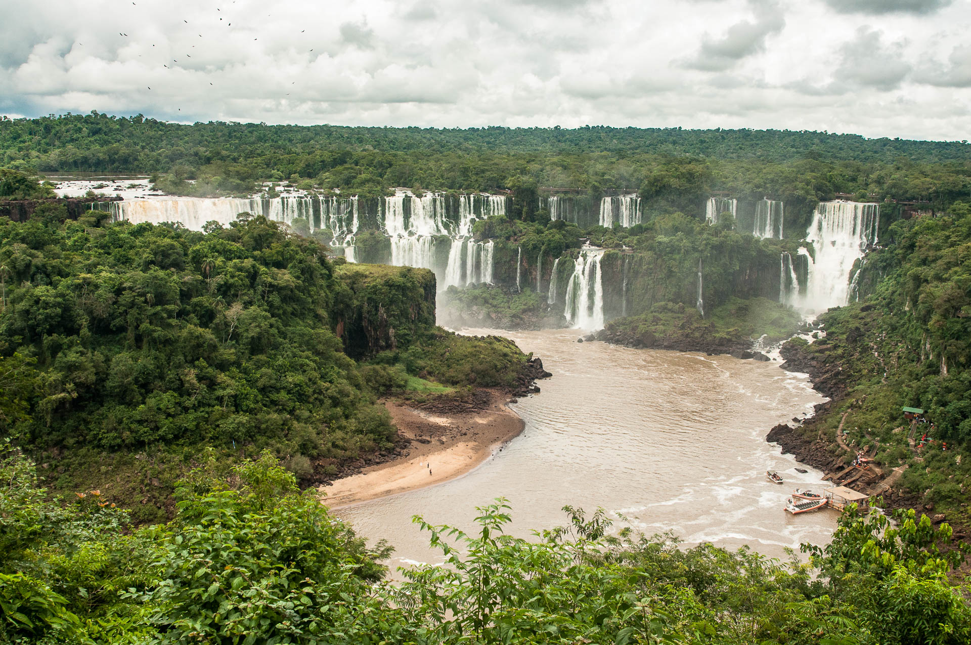 Iguazu ile san martin embarcadere - Les globe blogueurs - blog voyage nature