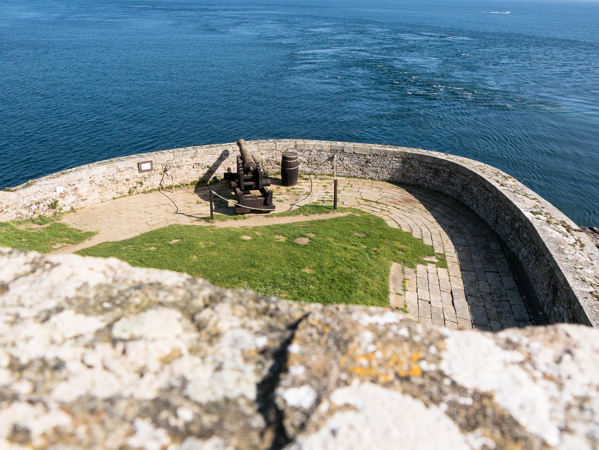 Fort lalatte canon - Les globe blogueurs - blog voyage nature