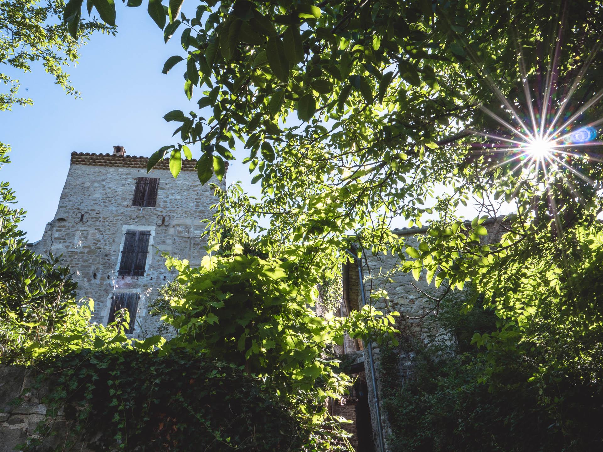 drôme begude en mazenc maison - Les globe blogueurs - blog voyage nature