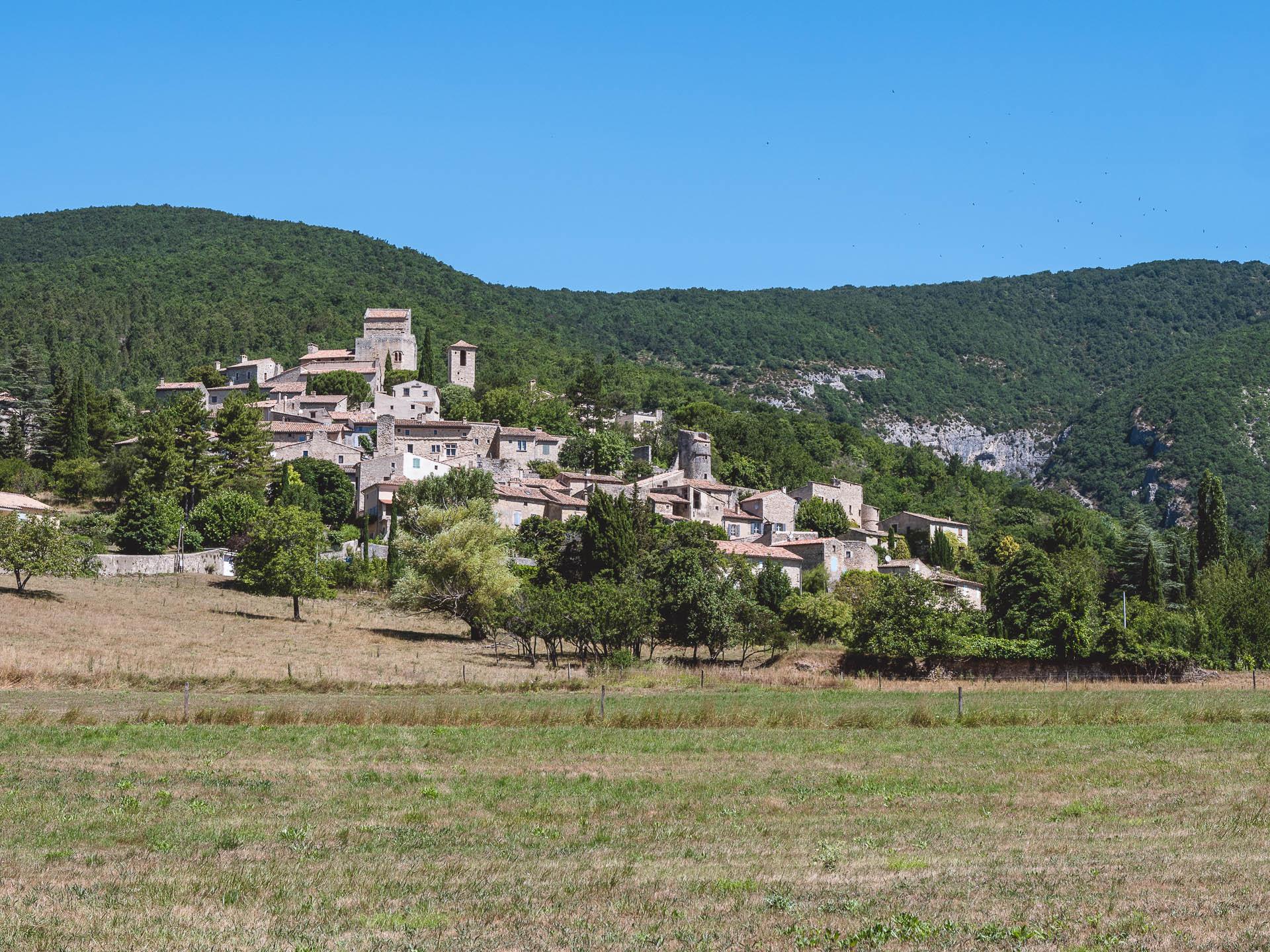 drôme village perché 1 - Les globe blogueurs - blog voyage nature