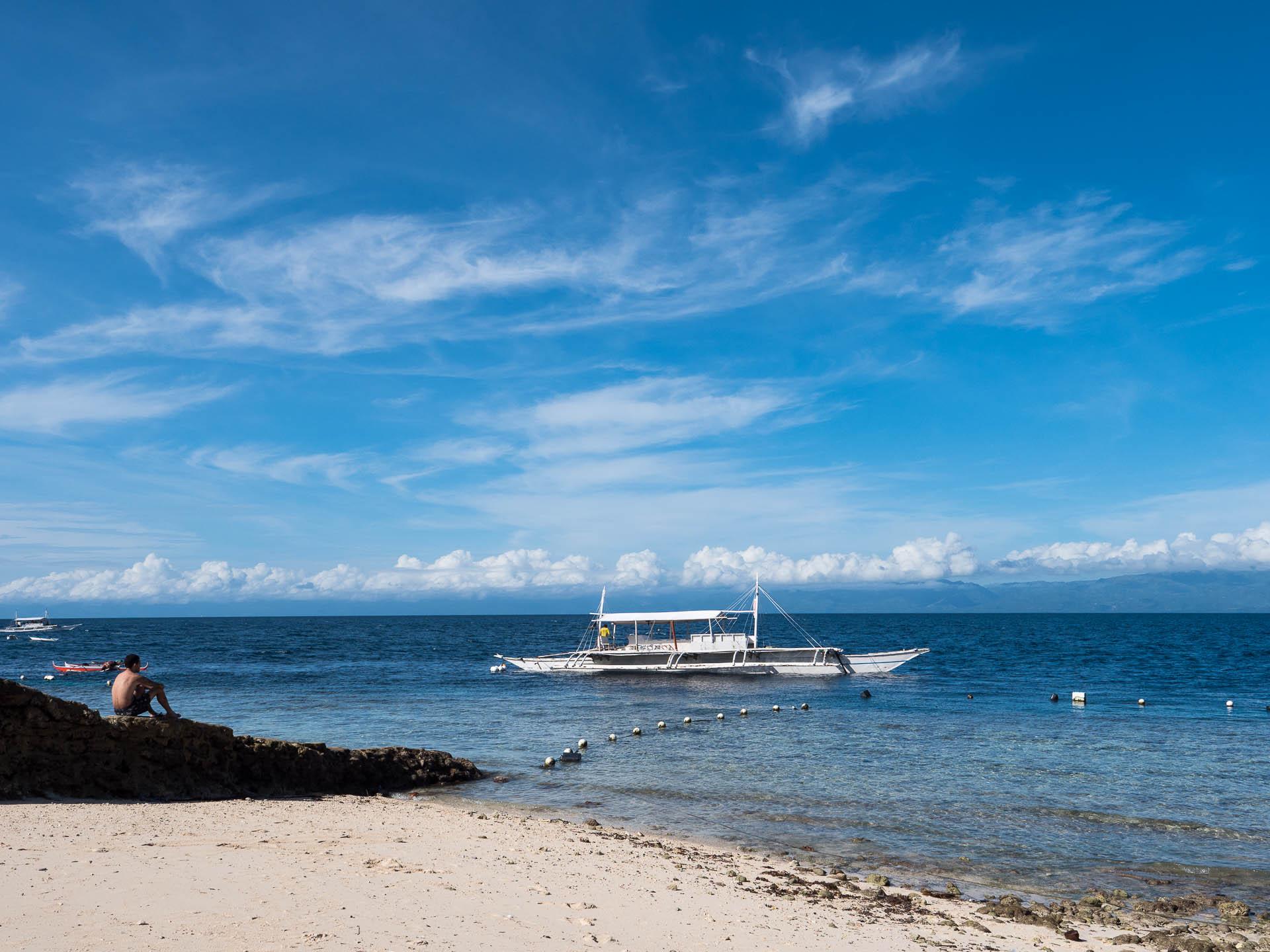 Moalboal plage - Les globe blogueurs - blog voyage nature