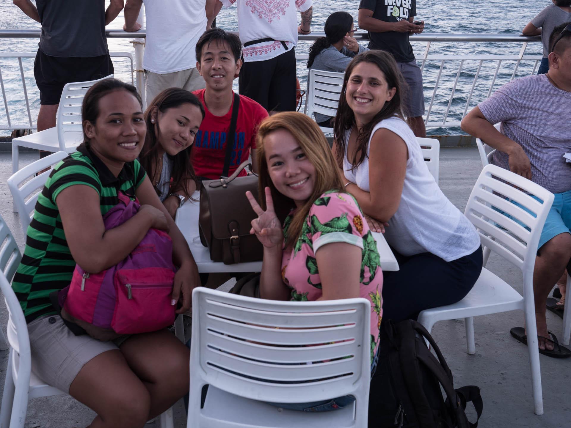 Coron ferry amis - Les globe blogueurs - blog voyage nature