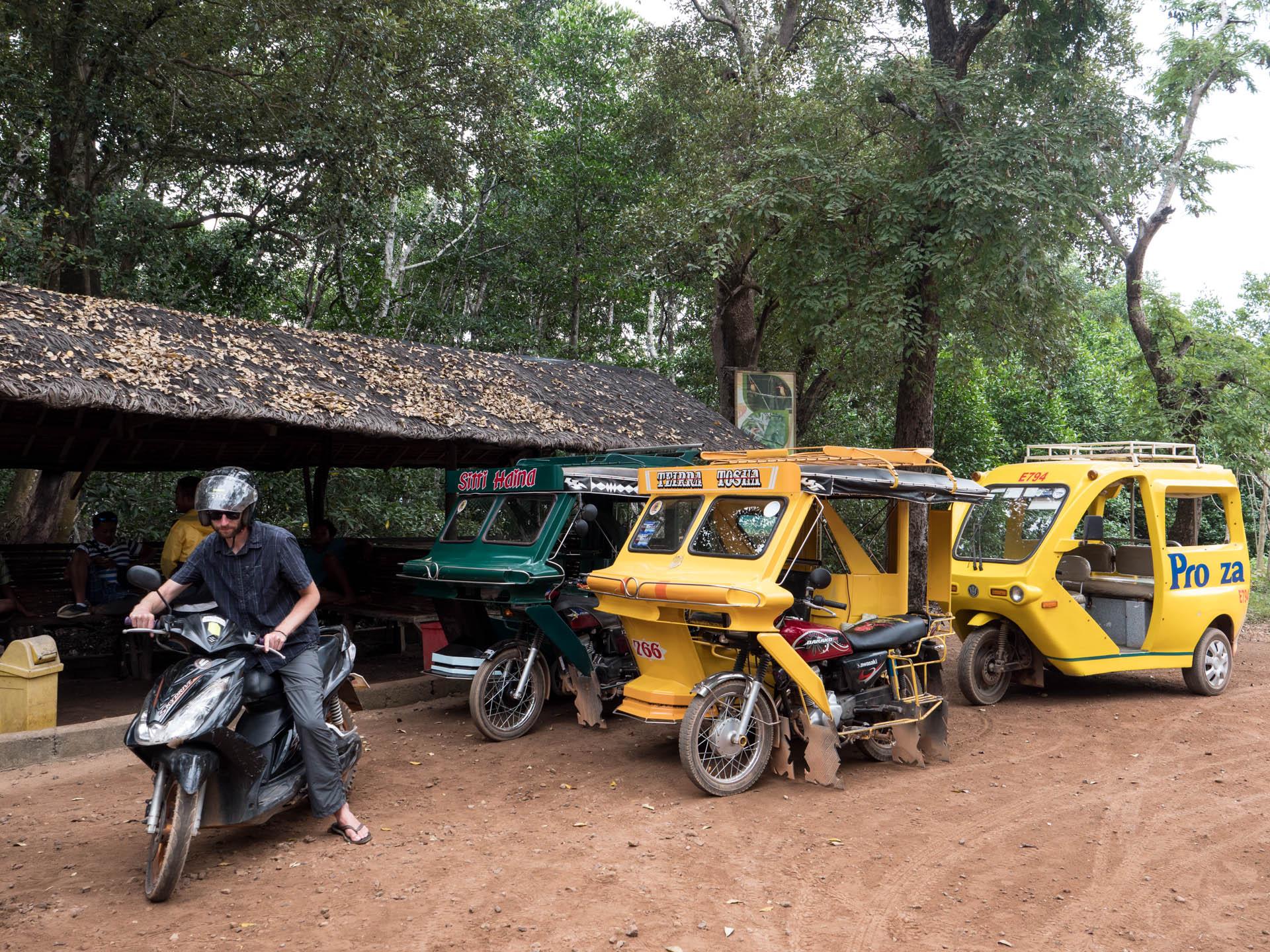 Coron scooter - Les globe blogueurs - blog voyage nature