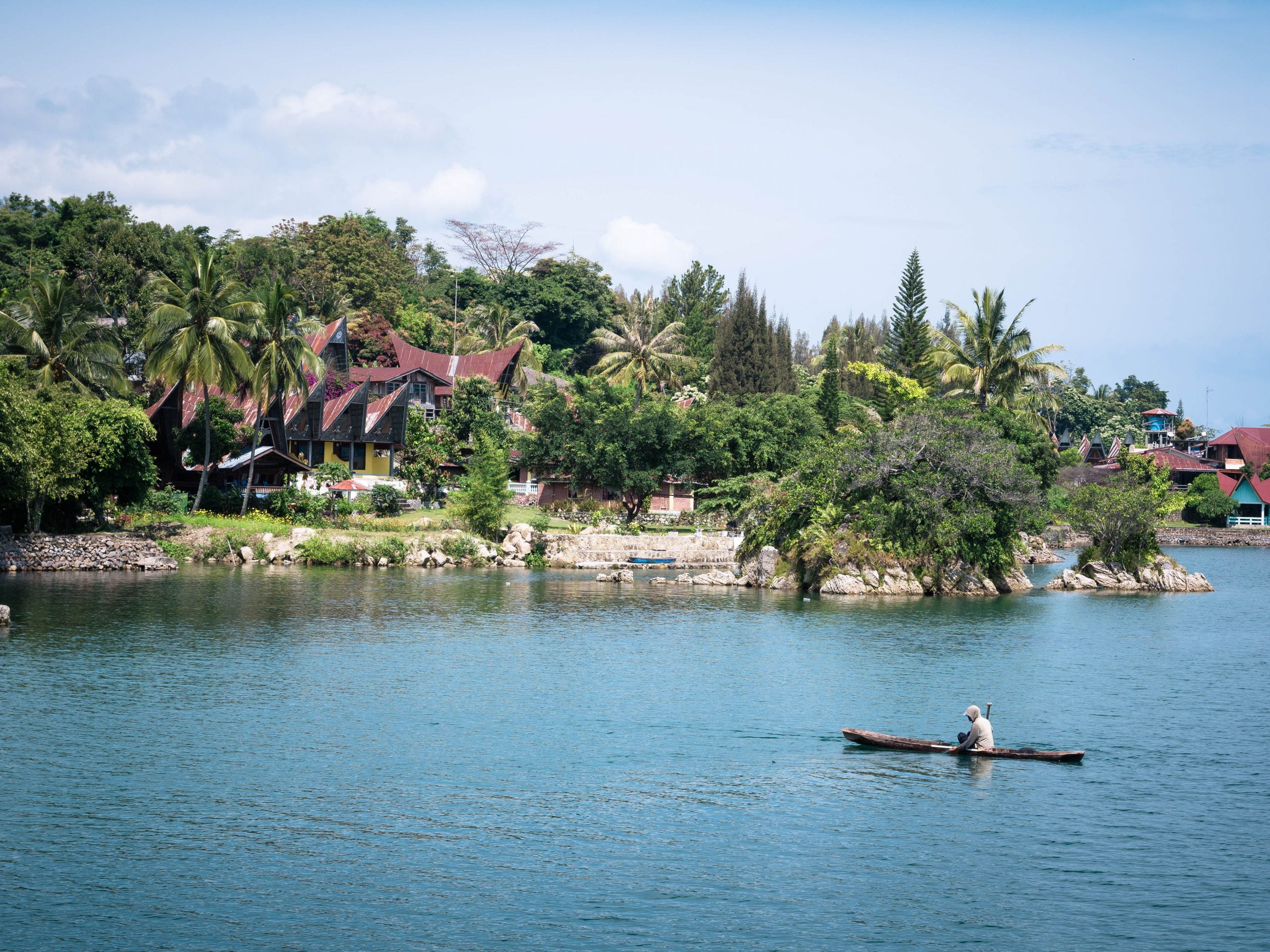 lac toba canoé scaled - Les globe blogueurs - blog voyage nature