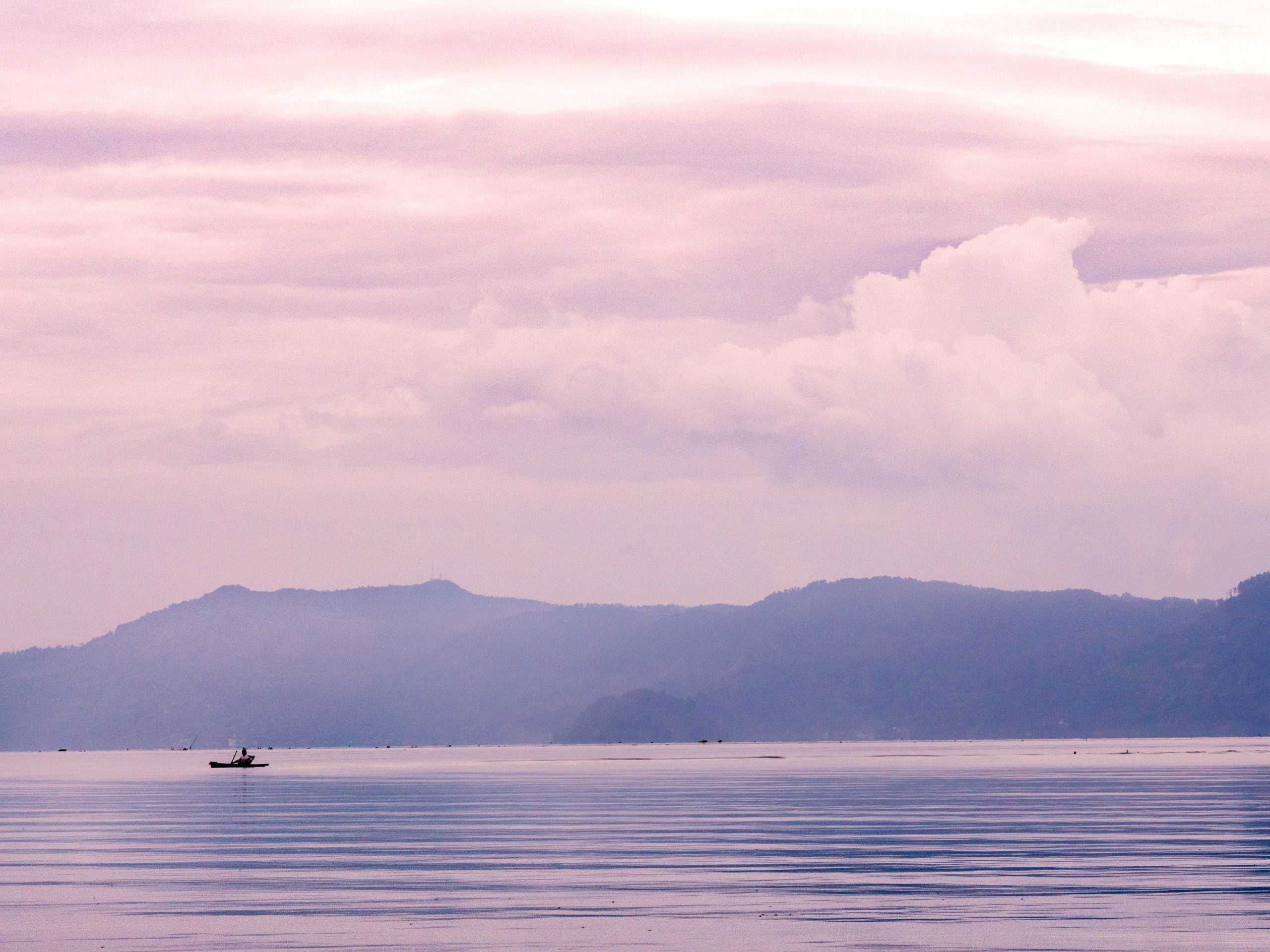 lac toba lac scaled - Les globe blogueurs - blog voyage nature