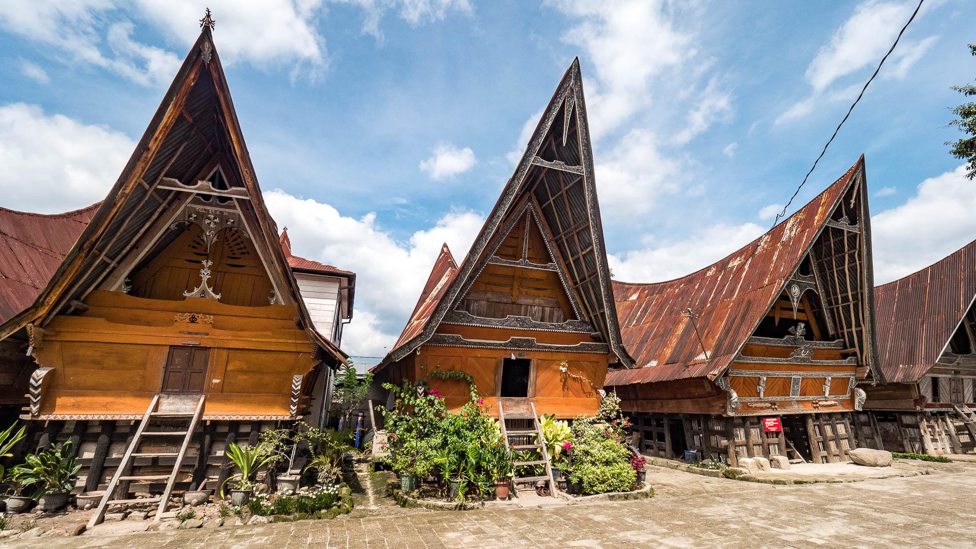 lac toba village batak