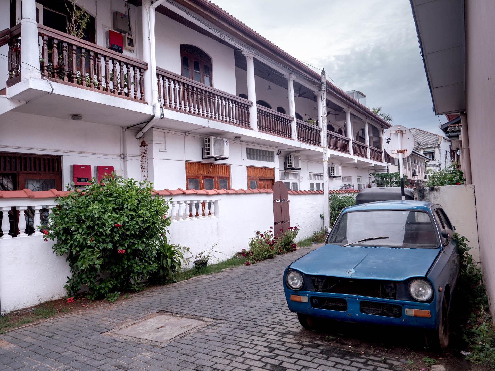 Galle 1 batiment voiture - Les globe blogueurs - blog voyage nature
