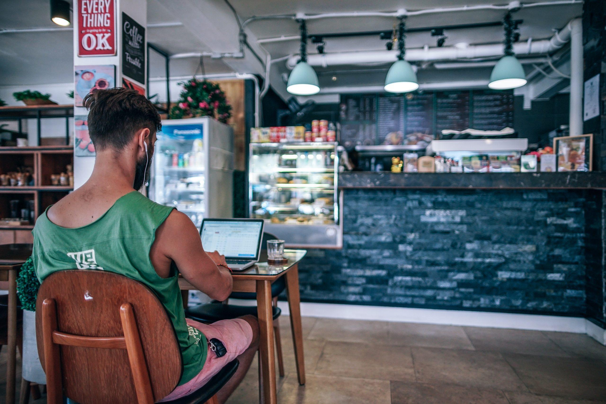 Le wifi des restaurants et bars, une valeur sur quand on a pas de forfait mobile valable à l'étranger !
