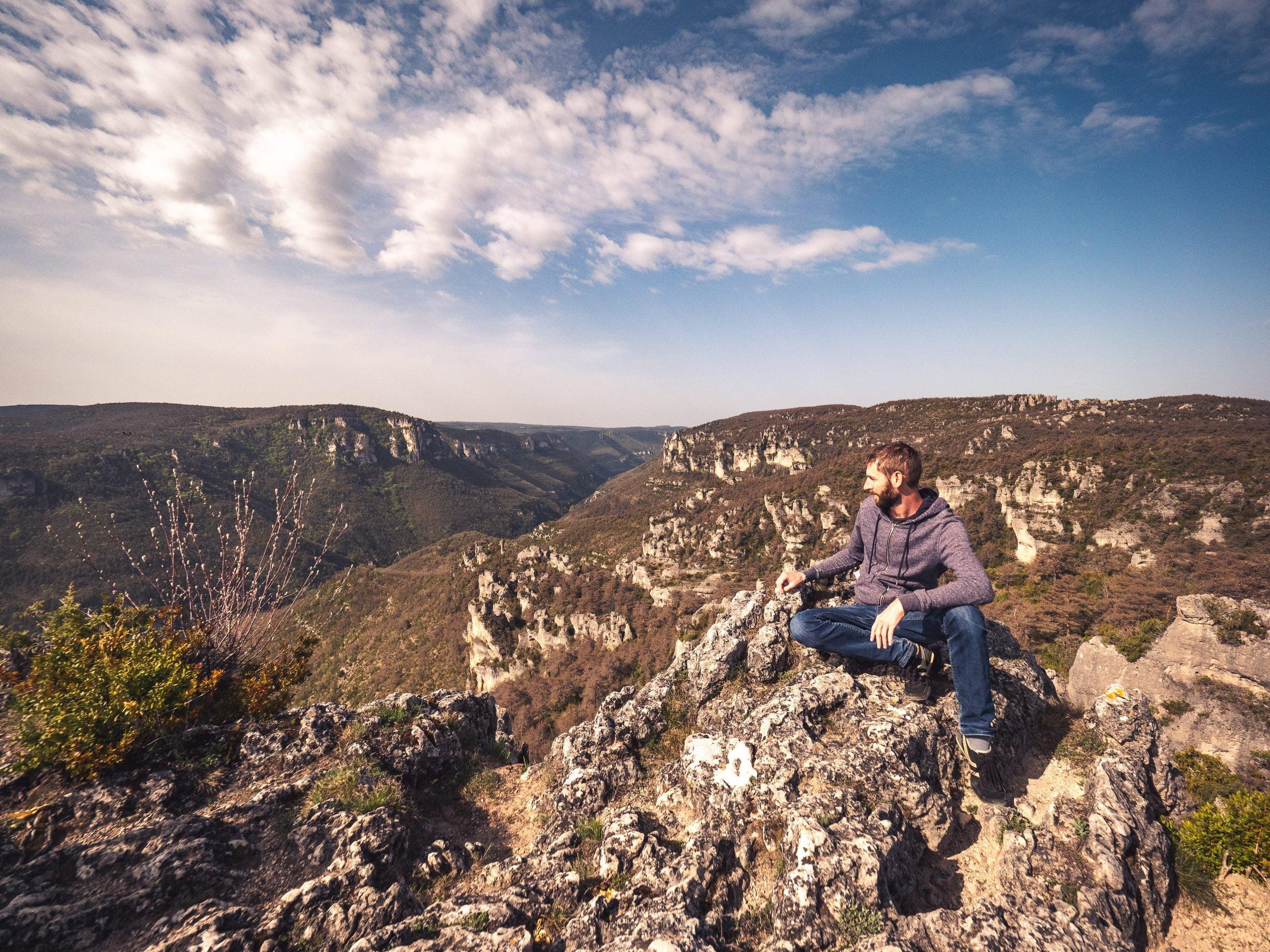 Chaos rocheux de montpellier le vieux, dans le parc naturel de loisirs