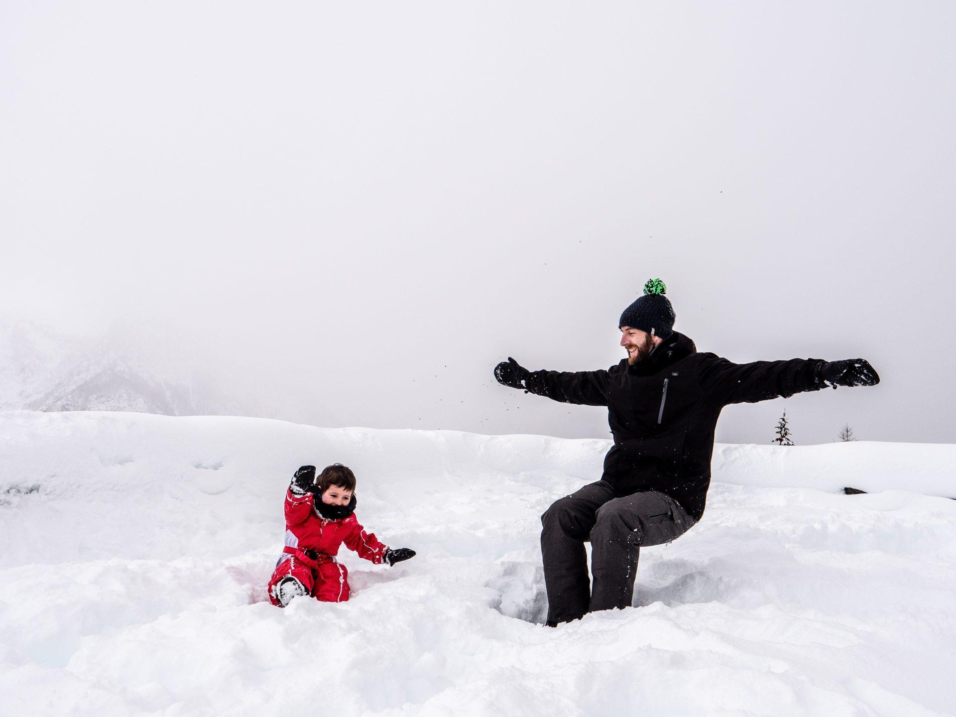 bataille de boules de neige à la station orcières merlette