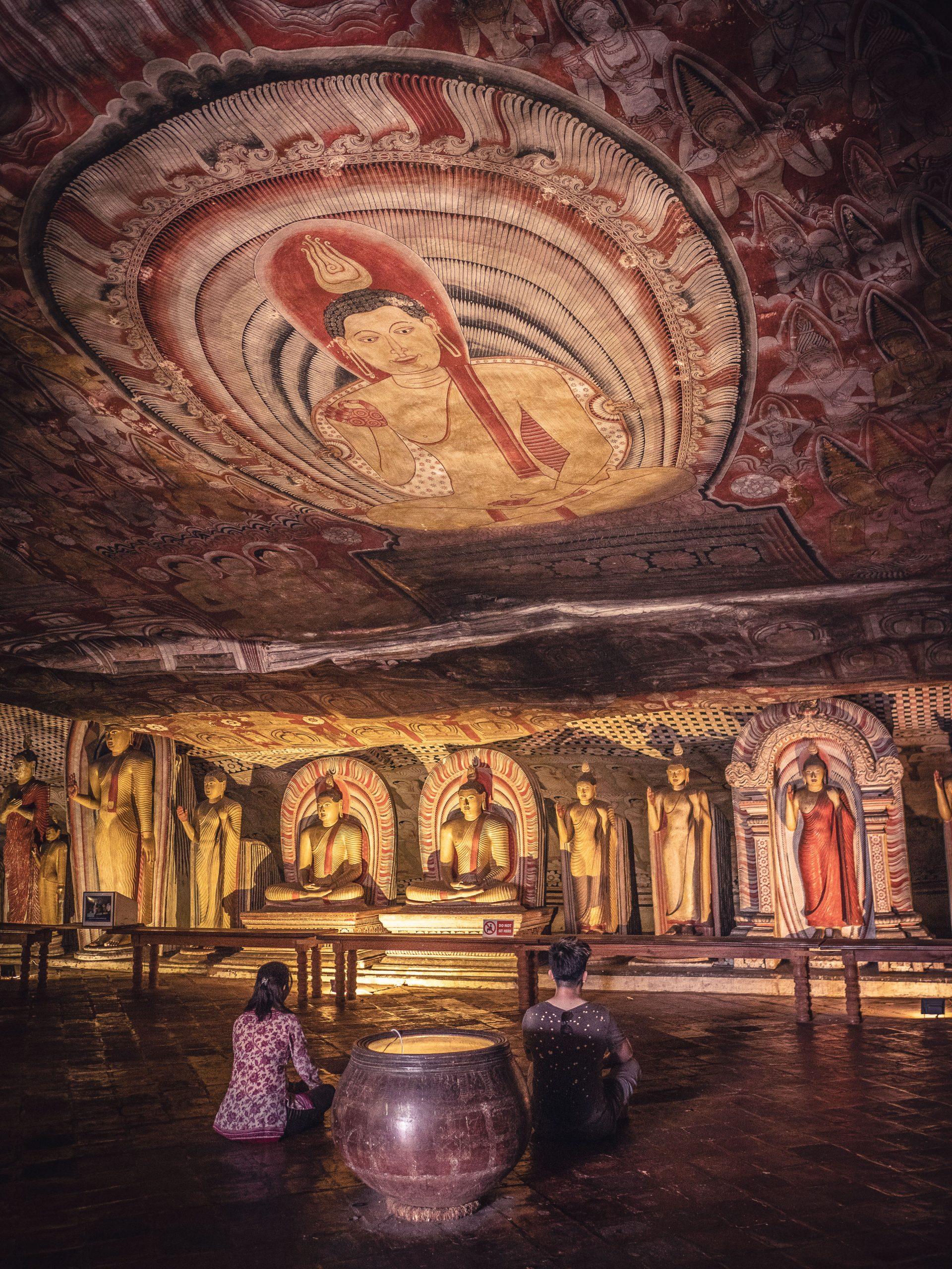 Temple d'or de dambulla au Sri Lanka - grotte