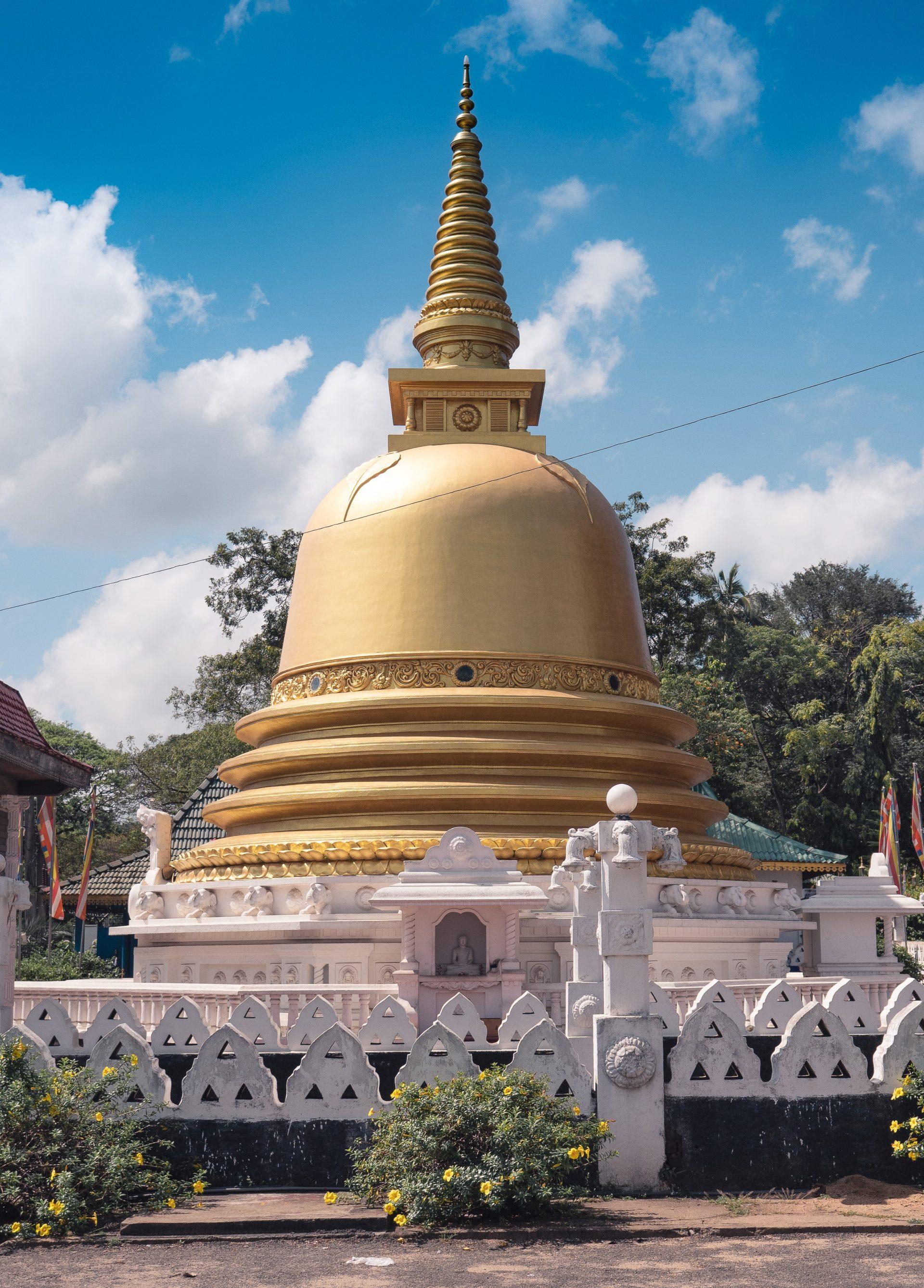 Temple d'or de dambulla au Sri Lanka - stupa