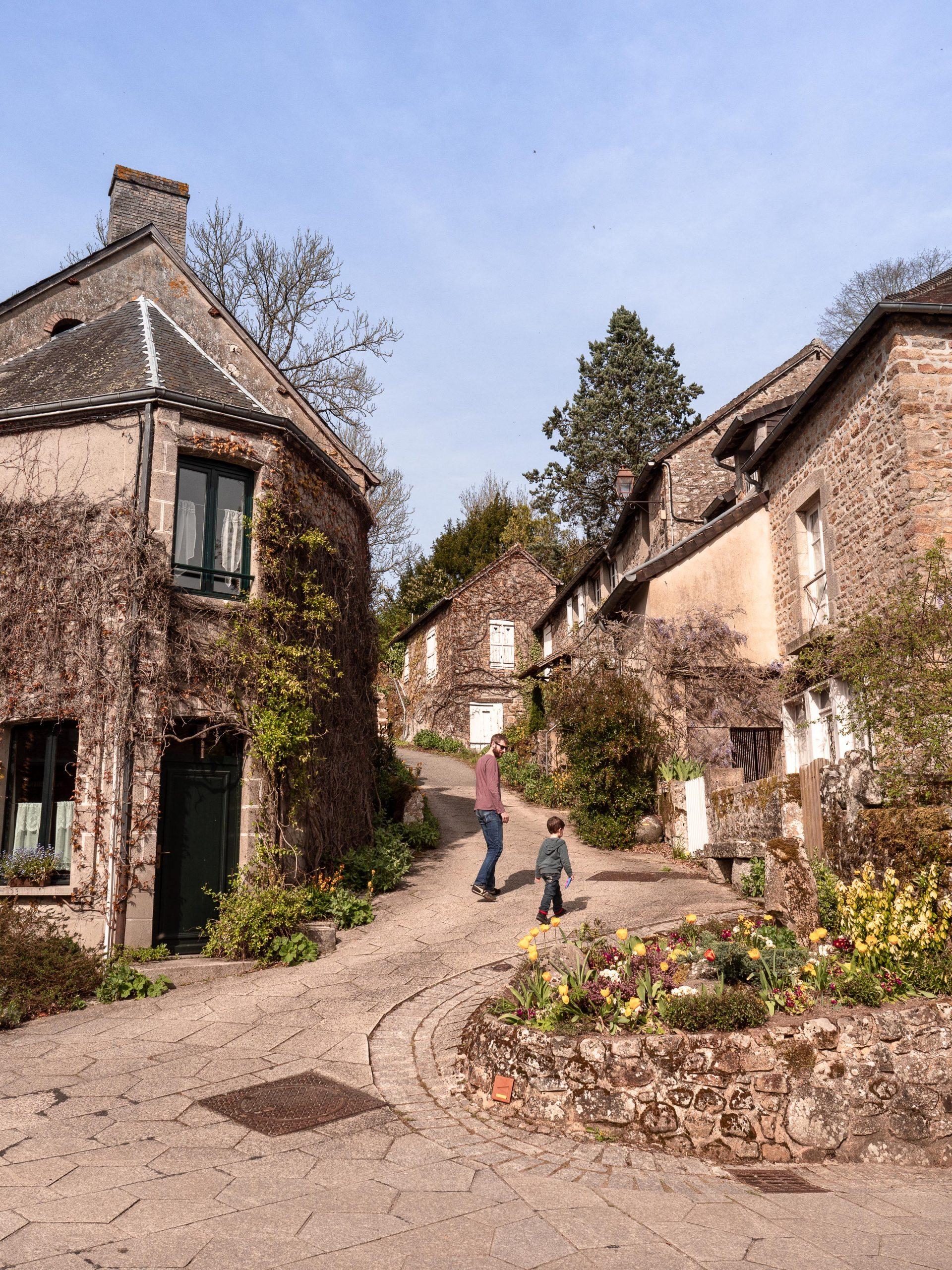 Visiter Saint Céneri le gerei, plus beau village de France en Normandie