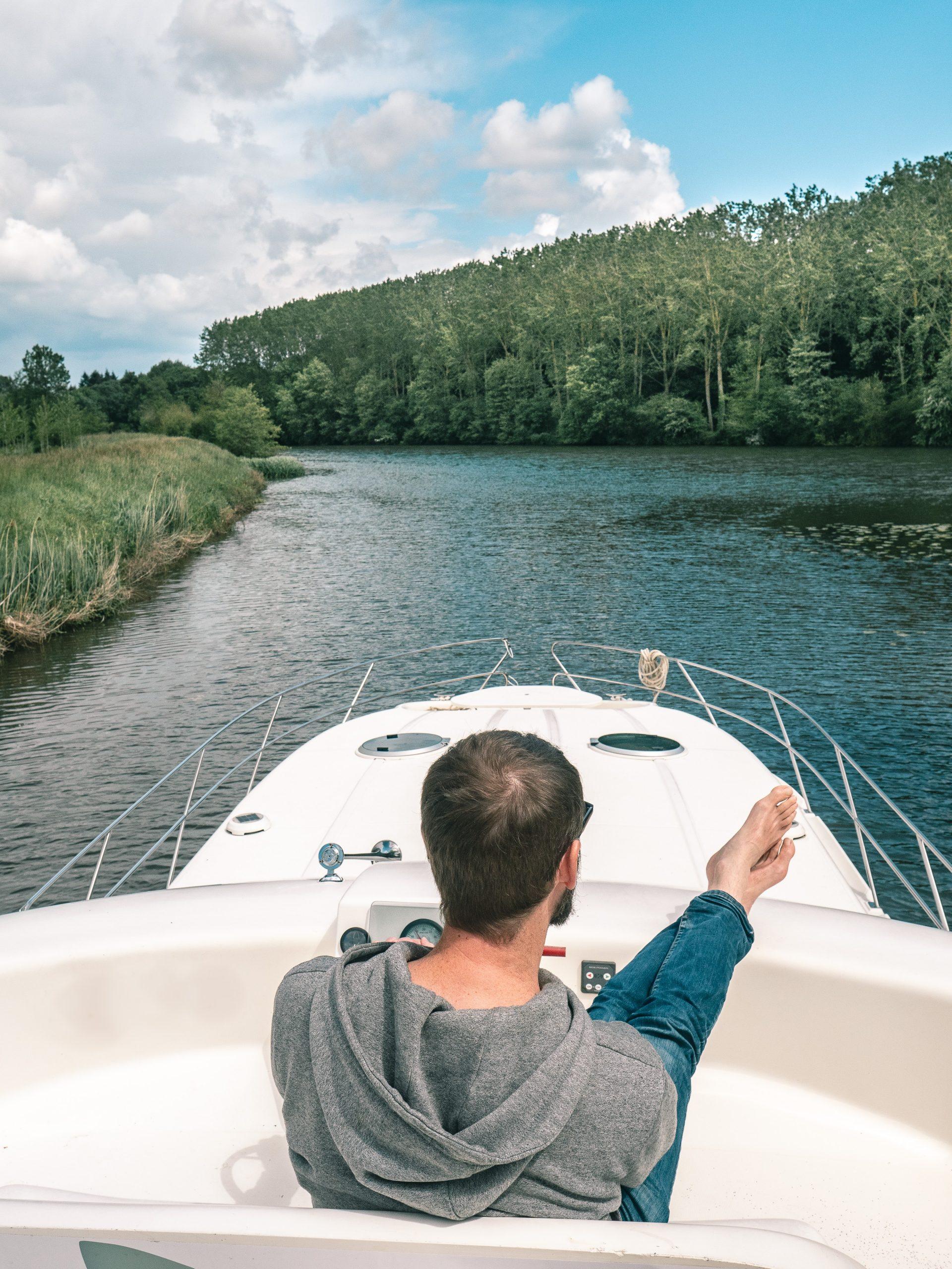 croisière fluviale dans la vallée de la Sarthe au départ de Sablé sur Sarthe avec Anjou navigation