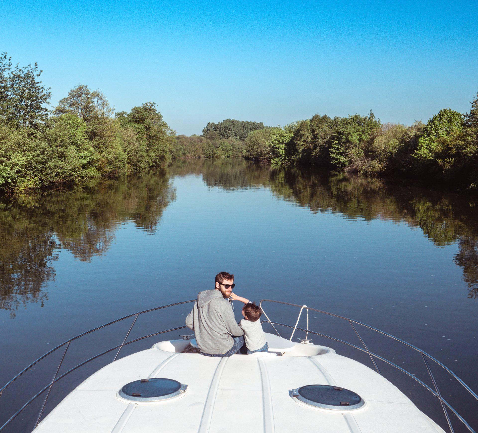 croisière fluviale vallée de la Sarthe en bateau de location sans permis