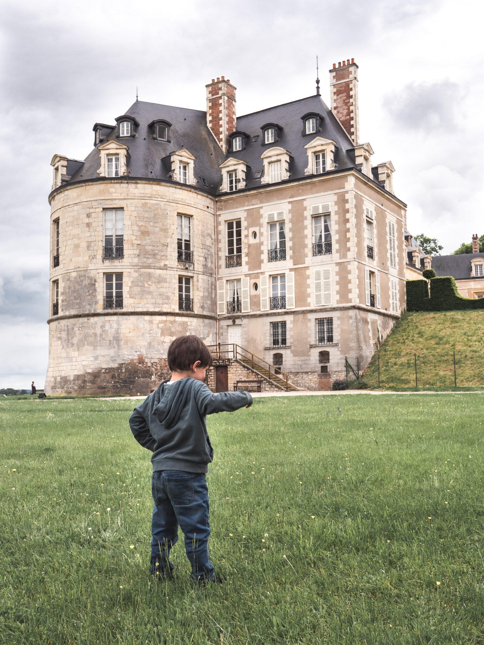 chateau apremont sur Allier Berry