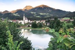 Vue sur le village de Reith im Alpbachtal tyrol autriche