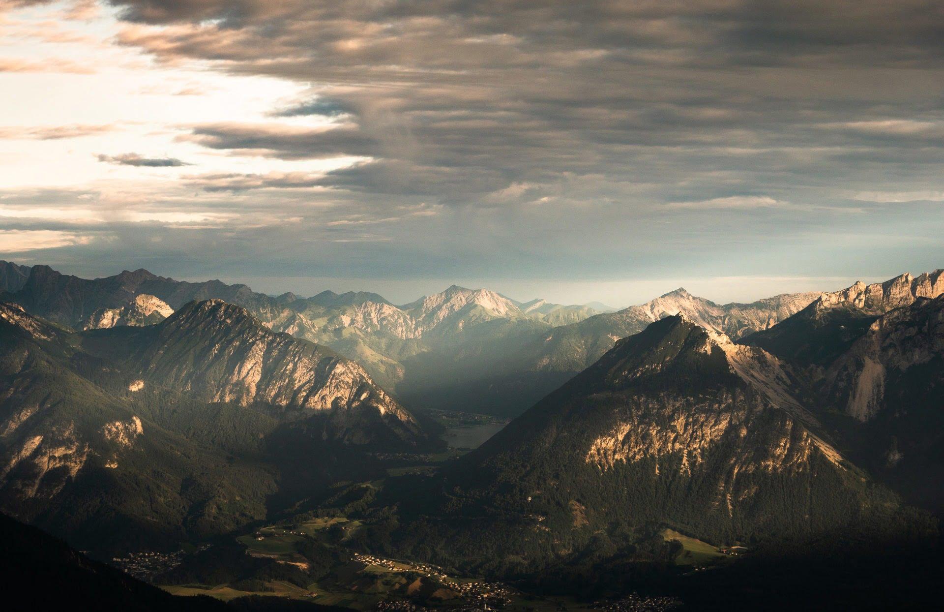 Montagnes alpbachtal dans le tyrol autrichien