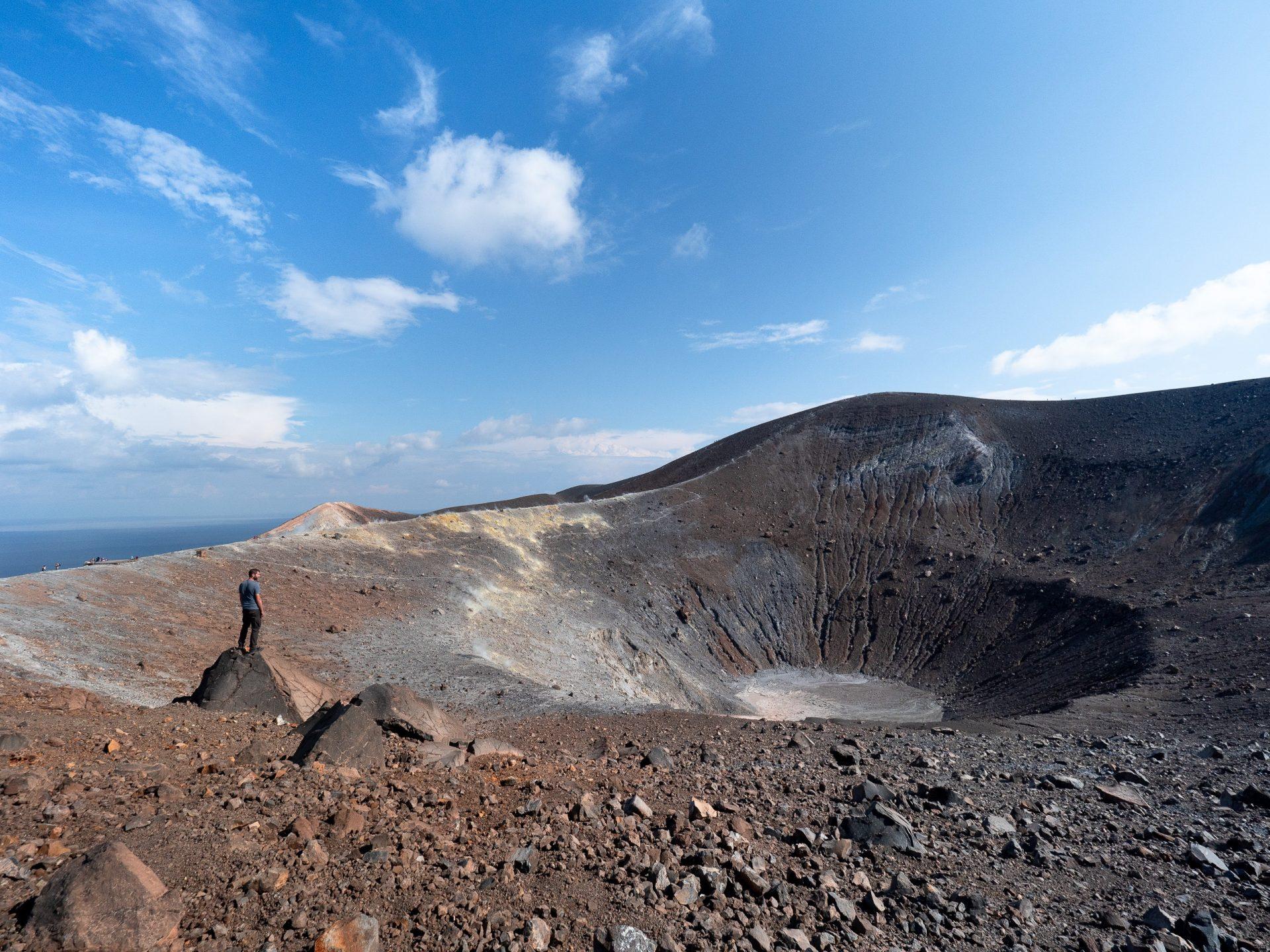 cratère vulcano îles éoliennes, sicile