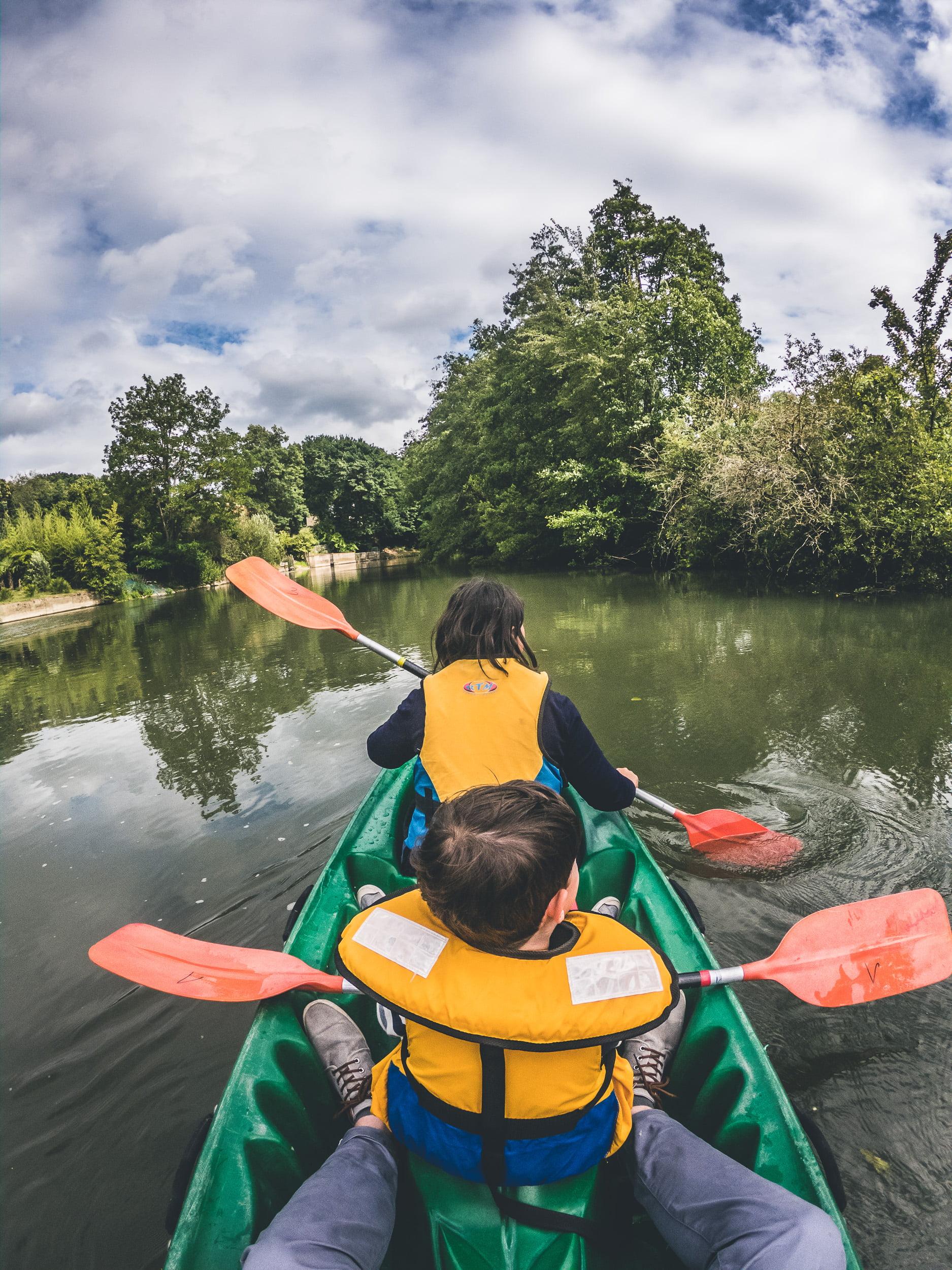 visite le mans en canoe sur l'huisne