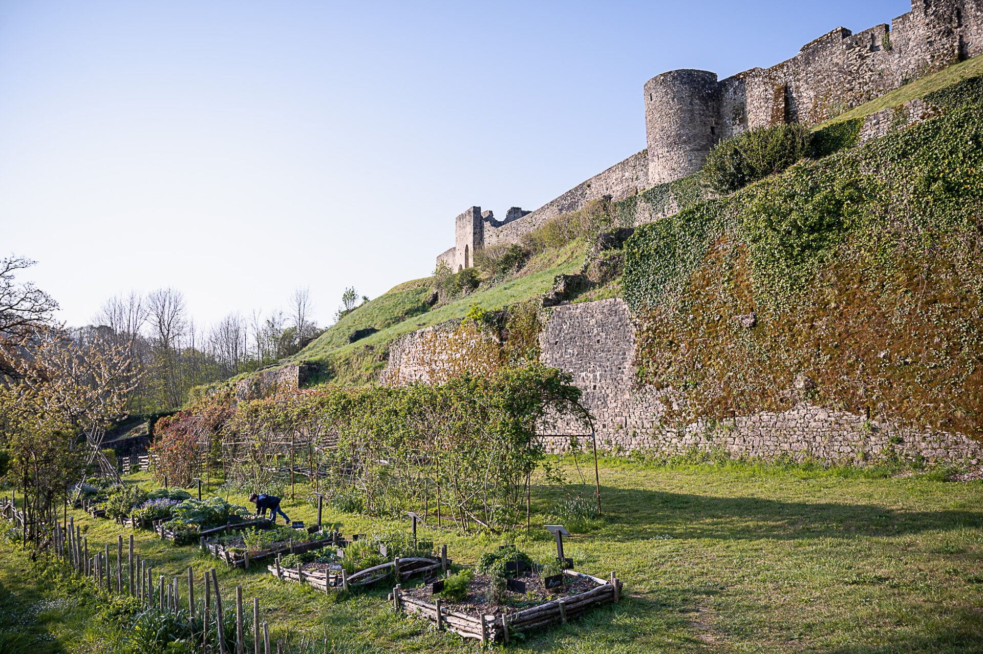 cité médiévale de sainte suzanne
